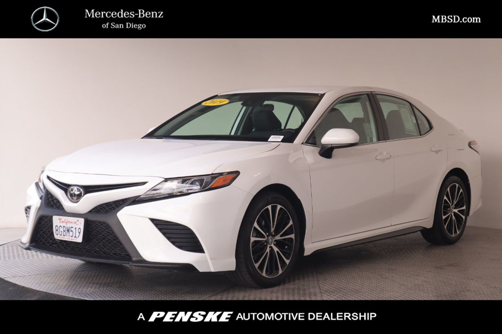 Pre-Owned 2019 Toyota Camry SE Automatic