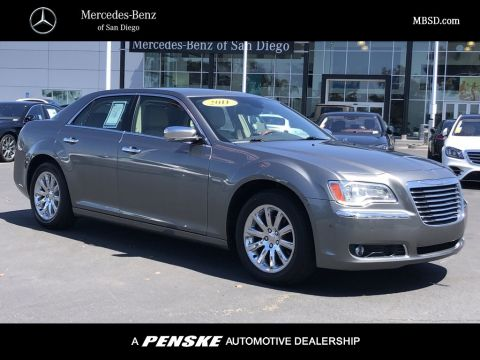 Pre-Owned 2011 Chrysler 300 4dr Sedan Limited RWD