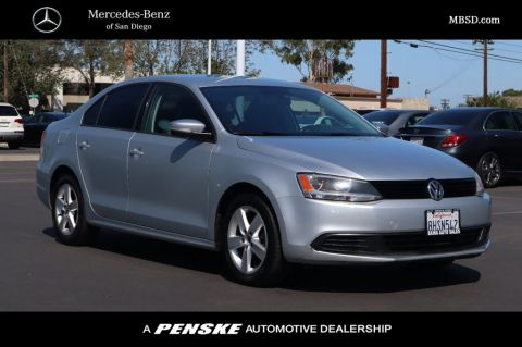 Pre-Owned 2012 Volkswagen Jetta Sedan 4dr DSG TDI
